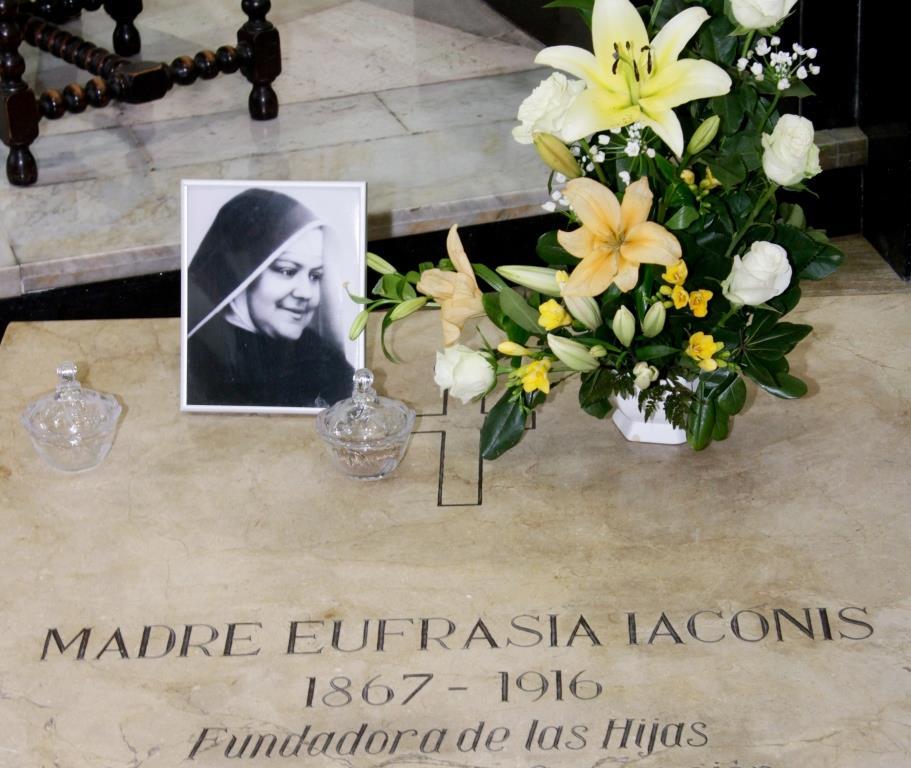 Visitas a la Madre Eufrasia en su año Centenario
